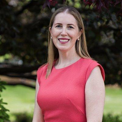 headshot of Prof. Amy Greer